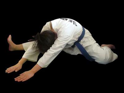 压腿的方法:五个步骤真正学会压腿