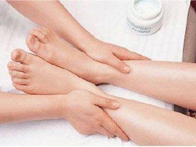 辨析脚臭与脚气的区别