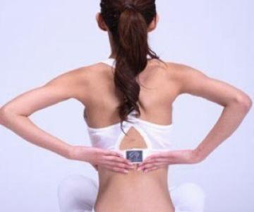 按摩腰部预防腰肌劳损